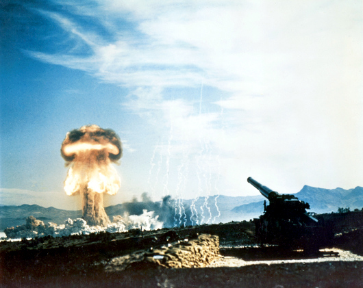 1953 http://www.nv.doe.gov/library/photos/photodetails.aspx?ID=65 GRABLE EVENT - Part of Operation Upshot-Knothole, was a 15-kiloton test fired from a 280-mm cannon on May 25, 1953 at the Nevada Proving Grounds. Frenchman s Flat, Nevada - Atomic Cannon TestHis Domaine public