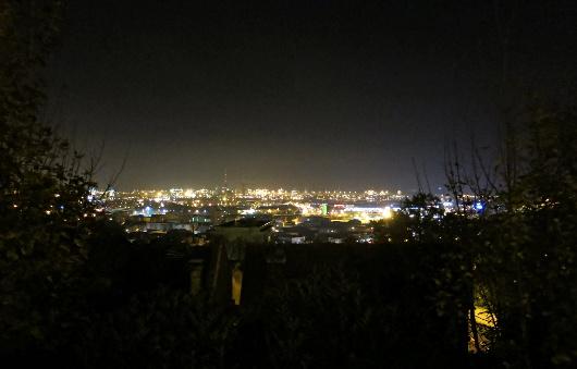 Le Havre, vu depuis la partie haute de la ville, avant-hier nuit.