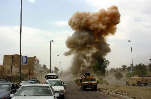 Explosion d'une voiture piégée en Irak en 2005