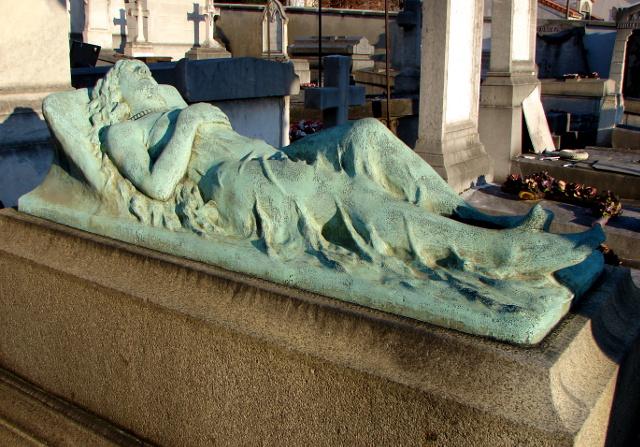 Trochery_(1856-1887)_Gisante_cimetiere_Carnot_Suresnes