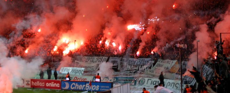 Utilisation de fumigènes par les Ultras du PAOK Salonique George Groutas from Idalion, Cyprus